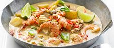 Prawn massaman curry - easy, under and delicious. Massaman curry comes from southern Thailand and is not as fiery as green or red Thai curries. We love the fragrant flavours and the texture that the peanuts add. Fish Recipes, Seafood Recipes, Indian Food Recipes, Asian Recipes, Cooking Recipes, Turkish Recipes, Healthy Curry Recipe, Thai Curry Recipes, Gourmet