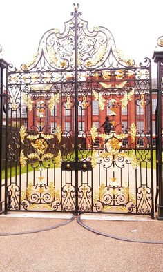 Kensington Palace in London, saw an interesting exhibit of Princess Diana's dresses.  Now home of Will & Kate (and baby)