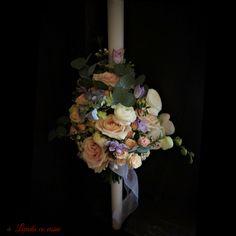 #lumanare #botez #fetita #pastel #baptism #christening #candle #madewithjoy #paula #moldovan #paulamoldovan #livadacuvisini #flowers #events #custom #floral #arrangements #design #flori #dulciuri #bucuresti Christening, Floral Arrangements, Floral Wreath, Pastel, Events, Wreaths, Candles, Flowers, Design