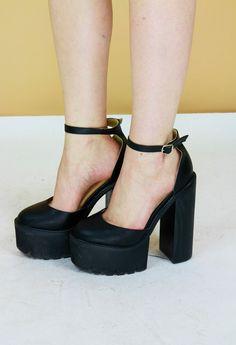 $73.24 Black 70s Style Platform Mary-Jane Sandals by BirdOnAWireVintage