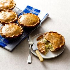 THERMOMIX CHICKEN AND LEEK PIES