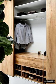 Closet: 19 Photo Design Ideas - Decor Around The World Wardrobe Room, Wardrobe Design Bedroom, Built In Wardrobe, Sliding Wardrobe, Modern Wardrobe, Home Entrance Decor, House Entrance, Home Decor, Hallway Designs