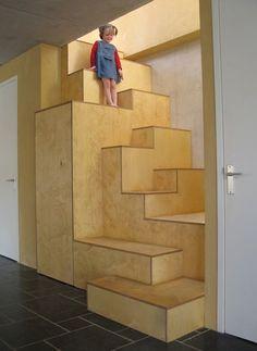 de trap heeft een speelse loop