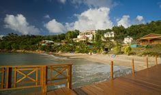 Petit hôtel boutique, avec seulement 28 hébergements toutes vue sur la mer des Caraïbes et bain à remous, le Calabash Cove est parfait pour des vacances romantiques en tout intimité ! L'hôtel est situé en bord de, à flanc de colline, sur la côté Nord Ouest de Sainte Lucie.  #hotelissima #hotel #saintelucie #sainte #lucie #romantique