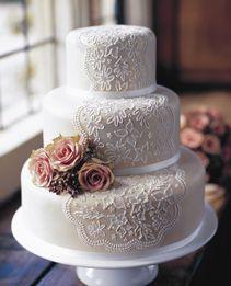 Elegant lace veil wedding cake