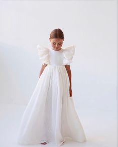 Toddler Flower Girl Dresses, Baby Girl Dress Patterns, Little Girl Dresses, Baby Dress, Girls Dresses, Girly Girl Outfits, Kids Outfits, White Dress Summer, Summer Dresses