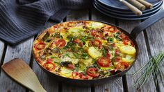 Bondeomelett Frittata, Vegetable Pizza, Mad, Eggs, Vegetables, Breakfast, Omelette, Breakfast Cafe, Egg