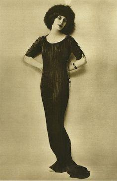 Anna Pavlova wearing Mariano Fortuny dress