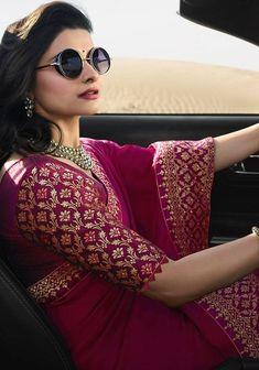 wedding - Over / 4 Stars & Up / Sarees / Ethnic Wear: Clothing & Accessories Wedding Saree Blouse Designs, Pattu Saree Blouse Designs, Fancy Blouse Designs, Indian Fashion Dresses, Stylish Blouse Design, Saree Trends, Stylish Sarees, Saree Look, Elegant Saree