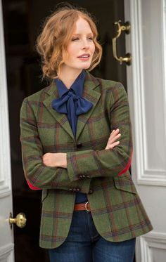 Tartan jacket with elbow patches Tomboy Outfits, Preppy Outfits, Date Outfits, Preppy Style, Chic Outfits, Fashion Outfits, My Style, Women's Fashion, Country Fashion