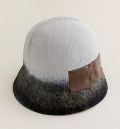 love this hat too bad i don't think i could pull it off