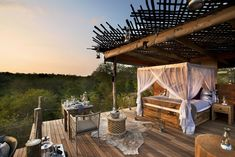 Family owned, bush glam safari lodge perched on the Sabie River overlooking Kruger National Park