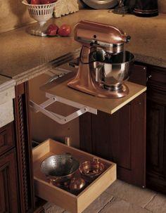 De-ideale-manier-om-je-zware-keukenmachine-op-te-bergen-Je-hoeft-hem.1381775582-van-Leeuw73.jpeg (700×901)