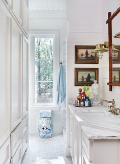 """James Farmer says it made his day when the cable TV technician asked, """"Has this house been in your family for years?"""" The abode in question was actually brand new but carefully designed to look vintage. Bad Inspiration, Bathroom Inspiration, White Bathroom, Bathroom Renos, Washroom, Cottage Plan, Cottage Bath, Cottage Homes, D House"""