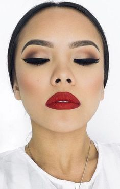 beautiful makeup. red lipstick #mac #rubywoo