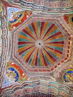 Patterns and color in Thanjavur Palace, Tamil Nadu, South India - built around 1550 A.D.  Thanjavur | Flickr