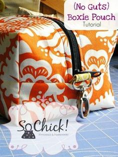 "SoChick's free ""No Guts Boxie Pouch"" sewing tutorial is a great sewing project to help us become familiar with skills necessary for sewing handbags and other accessories, while wo… Sewing Hacks, Sewing Tutorials, Sewing Crafts, Sewing Projects, Sewing Tips, Tutorial Sewing, Bag Tutorials, Sewing Patterns Free, Free Sewing"