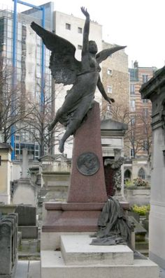 Frédéric Auguste Bartholdi : Tombe d'Auguste Bartholdi Cimetière du Montparnasse Paris 14