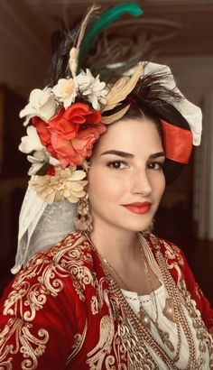 Greek Costumes, Dance Costumes, Costumes Around The World, Beauty Around The World, Folk Dance, Corfu, Folk Costume, Fascinators, World Cultures