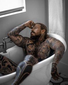 Hot Guys Tattoos, Boy Tattoos, Sexy Tattooed Men, Hot Black Guys, Stylist Tattoos, Just Beautiful Men, Beard Tattoo, Fine Men, Perfect Man