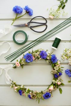 tips are available on our web pages. Take a look and you wont be sorry you … tips are available on our web pages. Take a look and you wont be sorry you did. Diy Arts And Crafts, Cute Crafts, Diy Crafts, Diy Flower Crown, Floral Crown, Flower Garlands, Diy Flowers, Flower Head Wreaths, Flower Decorations