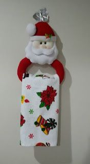 45 Funny and Cute Christmas Decorating Ideas Christmas kitchen; home decor. Christmas Projects, Felt Crafts, Holiday Crafts, Christmas Holidays, Diy And Crafts, Holiday Decor, Felt Christmas Decorations, Christmas Stockings, Christmas Ornaments