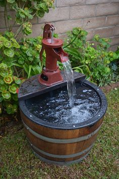 1/2 Wine Barrel Fountain Old Fashion Water by EcoWineFurniture