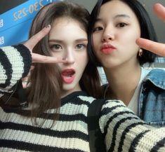 Somi and Chaeyoung Jeon Somi, Nayeon, K Pop, South Korean Girls, Korean Girl Groups, Fandom Kpop, Chaeyoung Twice, Dahyun, I Love Girls