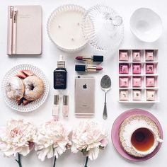 Another Pink Flatlay Because Why Not! Flat Lay Photography, Lifestyle Photography, Photography Photos, Product Photography, Flat Lay Inspiration, Flatlay Styling, How To Pose, Belle Photo, Girly Things