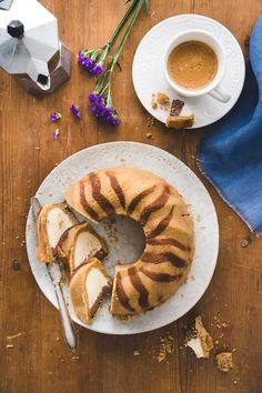 Tiikerikakku-juustokakku   Maku Fruit Bread, Baked Donuts, Little Cakes, Piece Of Cakes, Confectionery, No Bake Desserts, Let Them Eat Cake, Coffee Cake, No Bake Cake