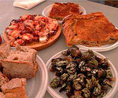 Platos típicos de Galicia: Empanada gallega, Pulpo a feira y Percebes