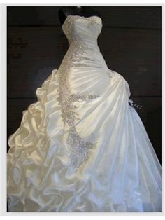 Exquisite A-line ball gown Sweetheart ruffles Beading Wedding Dress 10886606 - Wedding Dresses 2014 - Dresswe.Com