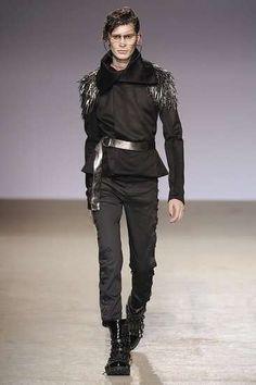 Shredded Male Leggings: Sci-Fi Warrior Fashion at Gareth Pugh Fall 2009