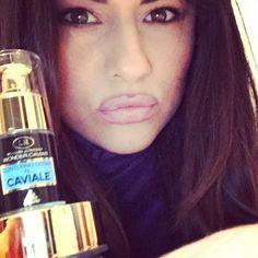 #MariaMazza Maria Mazza: Adoro queste creme grazie @lrwondercompany #me #mariamazza #beauty #crema #caviale #top @gioia_sonia
