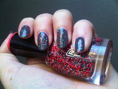 Kiko Graphite Grey & Dance Legend Flossy 150   http://penguinlacquer.blogspot.de/2014/05/graues-mauschen.html  #nails #nail #notd