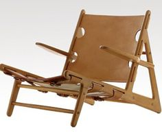 Børge Mogensen: Hunting Chair, 1950 Made by Erhard Rasmussen. Oak and leather