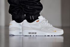 Nike-Air-Max-1-PRM-Safari-Kumquat-@allikestore.jpg (600×403)