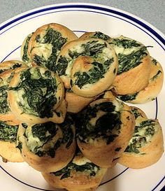 Spinach Pinwheel Appetizers - make it vegan with Toffutti cream cheese and vegan parm!