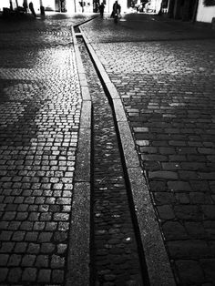 freiburg-water-channel.jpg (900×1200)