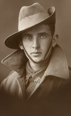 Unknown Aussie soldier, WWI, from the Australian War Memorial collection.   Submitted by annakrentzphoto