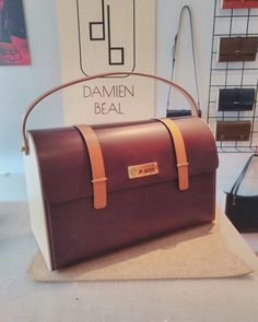 Sac collaboration Damien Béal X Carrosserie Lecoq .en bois et cuir , cousue à la main, Damien Béal www.damienbeal.fr