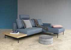 Slaapbank Bragi, een zeer leuk, nieuw model van Innovation living. Bank, bed en side table in 1!