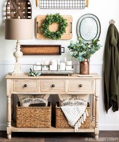 Wood accents + a neutral color palette = understated elegance!