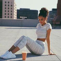 Scoop Short Sleeves T-shirt Elastic 3/4 Pants Striped Activewear Set