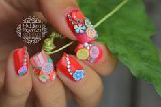 Nail art by Panier garni By Hidden-Agenda nail art avec nos fimo fruits et fleurs. www.parlezenauxcopines.com Livraison internationale / International delivery