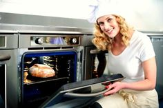 Learn how to clean your oven with these tips so you can prevent your oven from becoming a fire hazard. Here are tips for cleaning a textured oven, self-cleaning oven and a regular oven. Oven Cleaning Hacks, Self Cleaning Ovens, Commercial Ovens, Commercial Kitchen Equipment, Oven Toaster Griller, Roasted Vegetables With Chicken, Oven Diy, Best Oven, Cooking Equipment