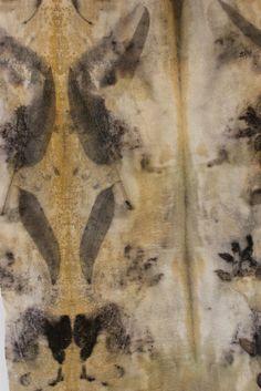 Détail écharpe étamine de laine /ecoprint- www.lolabastille.com Paris France, Textiles, Art Textile, Oeuvre D'art, Les Oeuvres, Fiber Art, Boutique, Expositions, Bastille