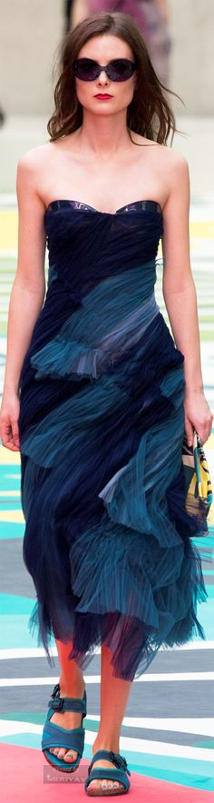 Burberry Prorsum.Spring-summer 2015 #Runway #Tulle #Blue
