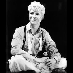 ❤️😊#davidbowie#davidjones#thinwhiteduke#ziggystardust#aladdinsane#ladystardust#watchthatman#diamonddogs#starman#stationtostation#moonagedaydream#crackedactor#letsdance#modernlove#goldenyears#fame