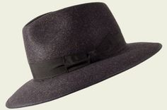 Cappello Capparella Tesi Cappelli invernali - Roberto Manzoni Ravenna  #stetson #texas #texano #west  #cilindro #englishhat #hatter #shop #hatshop #hatstore #grey #black #red #burgundy #brown #cool #elegant #classic #streetstyle #fashion #unisex #fashionista #chic #menswear #wintertrend #cappelli #BORSALINO  #indianajones @fashionamy